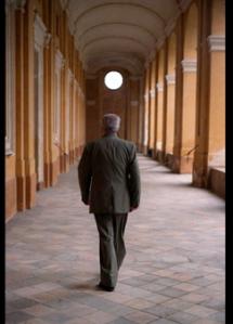 Álvaro Mutis paseando por Turín. Bernardo Pérez